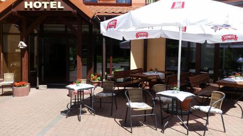 Restauracja lub miejsce do jedzenia w obiekcie Hotel Kopernik