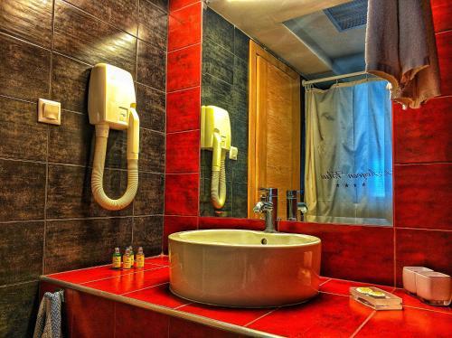 Ένα μπάνιο στο Aegean Blue Beach Hotel
