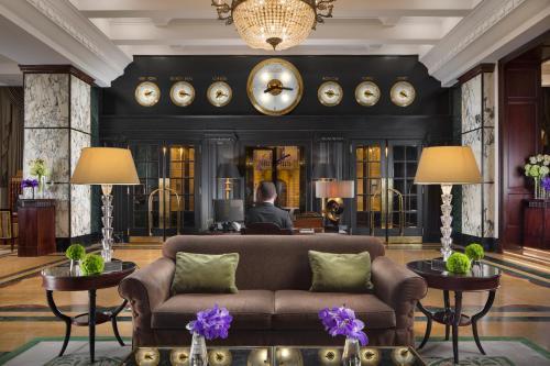 The lobby or reception area at Esplanade Zagreb Hotel