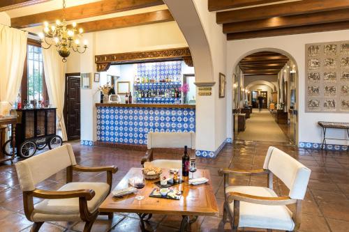 A restaurant or other place to eat at Parador de Arcos de la Frontera