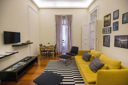 A seating area at Casa da Matriz