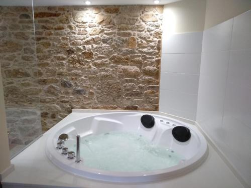 A bathroom at VILAR DE LEMA