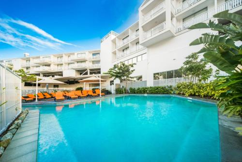 The swimming pool at or near Airlie Beach Hotel