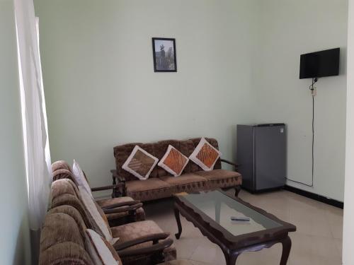 A seating area at Sekar Gambir Homestay