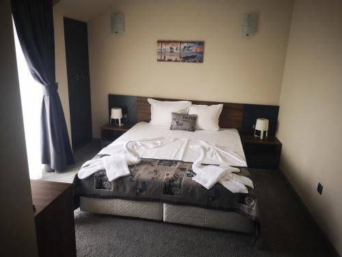 Легло или легла в стая в Hotel Novel City