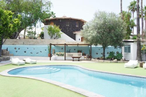 The swimming pool at or near Casa Jable Azul