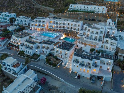Vue panoramique sur l'établissement The George Hotel Mykonos