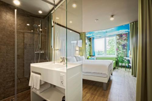A bathroom at aja Bad Saarow
