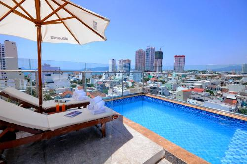 The swimming pool at or close to Mega Light Hotel - Managed By RHM GROUP