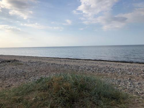 Ein Strand an oder in der Nähe der Ferienwohnung