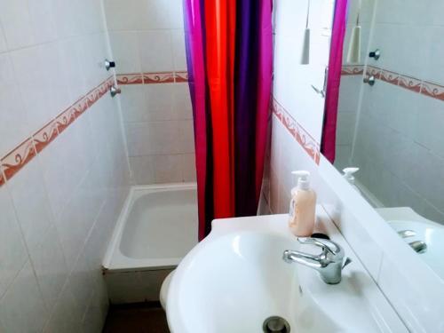 A bathroom at Lido Vendégház
