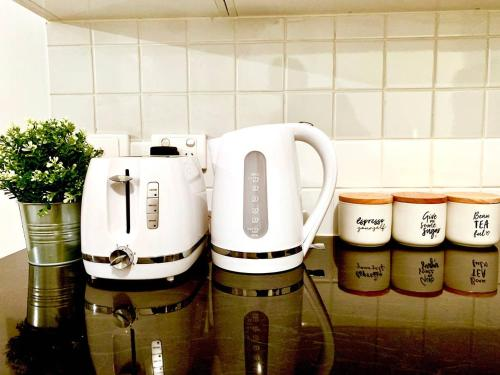 Coffee and tea making facilities at Project BNB on Waymouth