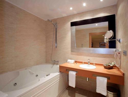 Un baño de Nastasi Hotel & Spa