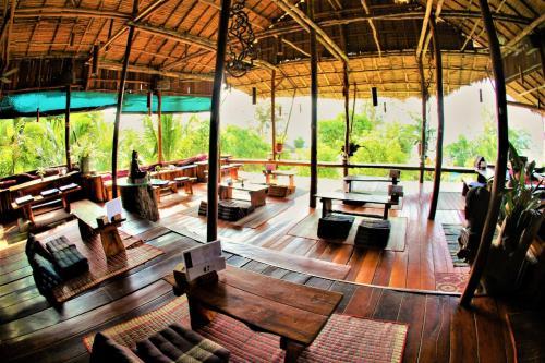 En restaurang eller annat matställe på Paradise Bungalows Koh Rong