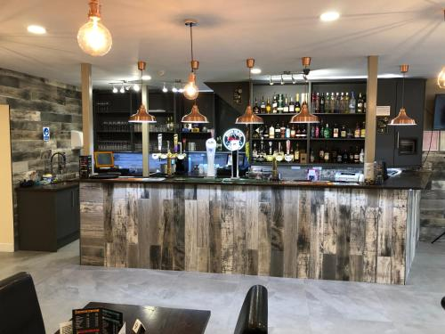 The lounge or bar area at Halfway Hotel