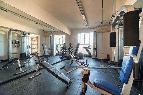 The fitness center and/or fitness facilities at Silver Beach Hotel & Apartments