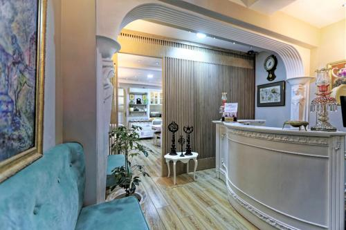 The lobby or reception area at Romantic Hotel Istanbul