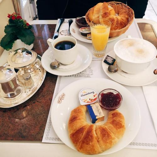 Opciones de desayuno disponibles en Leda Apartments