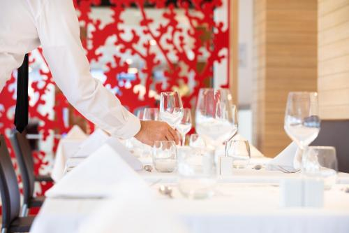 A restaurant or other place to eat at Isla Mallorca & Spa