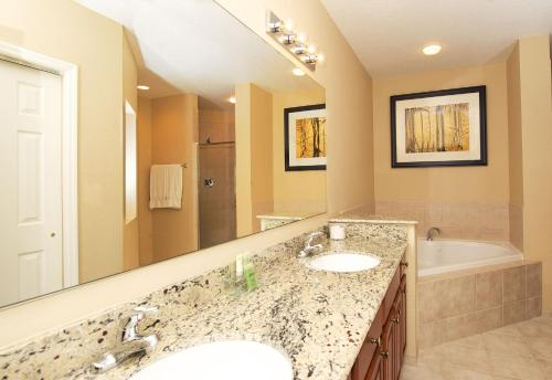 A bathroom at WorldQuest Orlando Resort