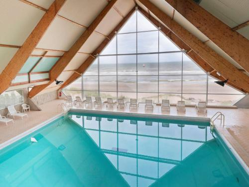 The swimming pool at or close to ibis Thalassa Le Touquet