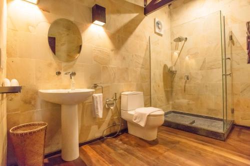 A bathroom at Kudat Riviera Exclusive Beach Villas