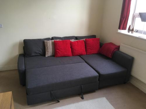 A seating area at Superb Peaceful 1 bed apartment in St George.