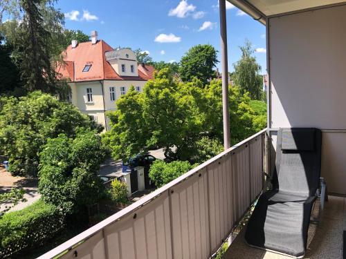 A balcony or terrace at Messeapartment Dutzendteich