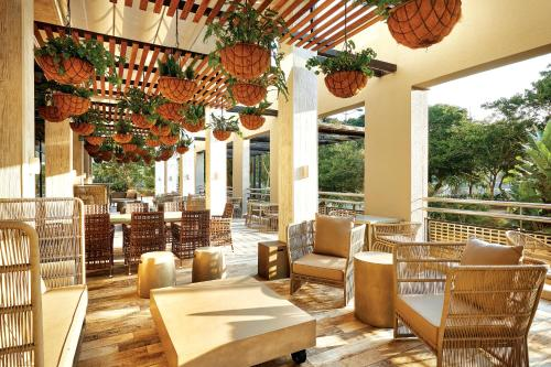 A restaurant or other place to eat at Protea Hotel Fire & Ice! by Marriott Durban Umhlanga Ridge