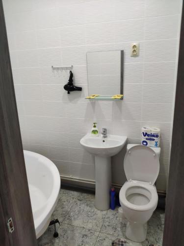 A bathroom at Кирова 9