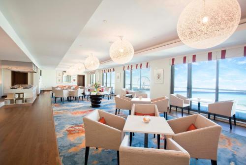 مطعم أو مكان آخر لتناول الطعام في جيه ايه فندق أوشن فيو