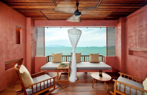 A seating area at Hansar Samui Resort & Spa - SHA Plus