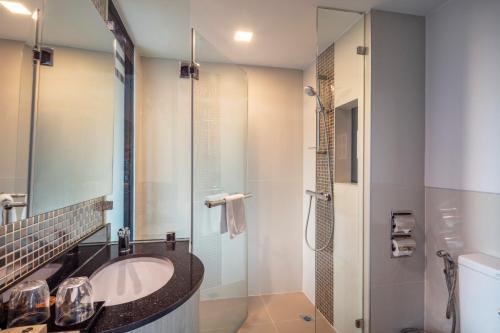 A bathroom at Hotel Clover Asoke