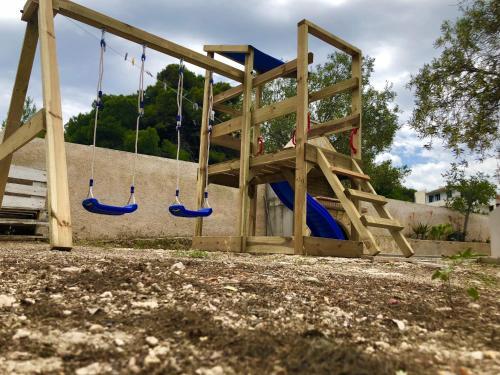 Ο χώρος παιχνιδιού για παιδιά στο Villa Cavour