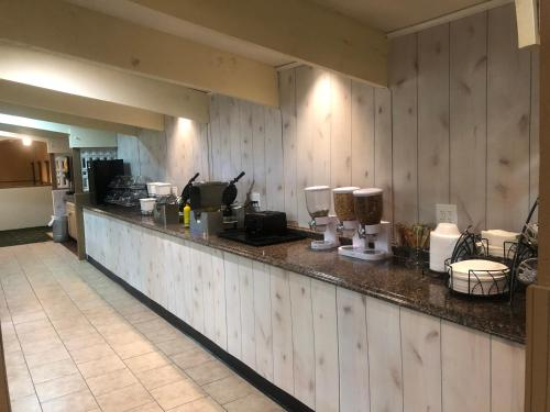 A kitchen or kitchenette at Baymont by Wyndham Queensbury/Lake George