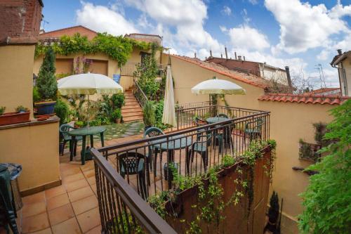 A balcony or terrace at ALBERGUE SAN SATURNINO