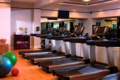 The fitness center and/or fitness facilities at The Ritz-Carlton, Tysons Corner