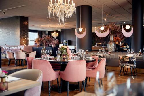 Ein Restaurant oder anderes Speiselokal in der Unterkunft Van der Valk Hotel Brussels Airport