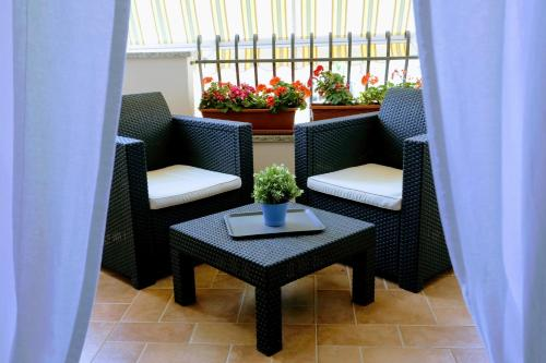 A seating area at Zama Bed&Breakfast