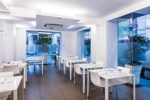 Restaurant ou autre lieu de restauration dans l'établissement Savoy Hotel