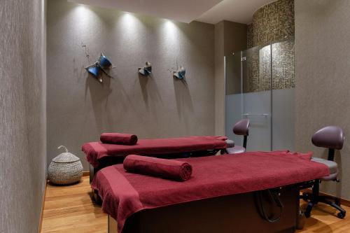 Спа и/или другие оздоровительные услуги в Amavi Hotel, MadeForTwo