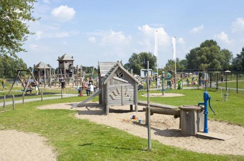 Children's play area at ES Comfort 4 personen