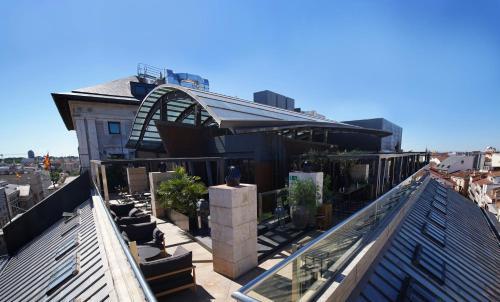 A balcony or terrace at Hotel Urban
