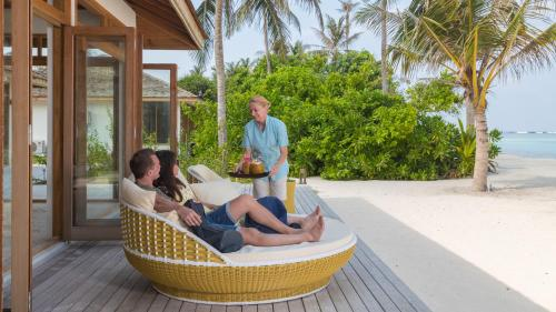 Семья в Innahura Maldives Resort