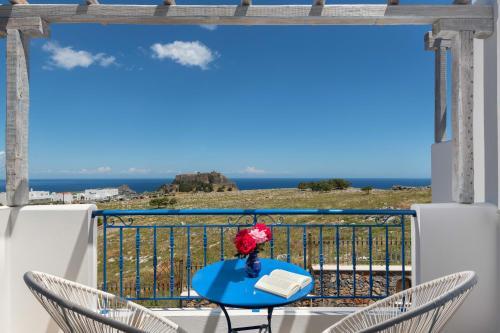 En balkong eller terrass på 'Lindian Myth' Sea View Studios
