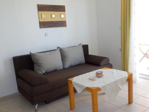 Ein Sitzbereich in der Unterkunft Maro Suites