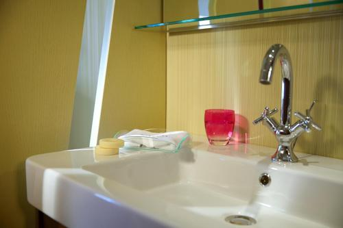 A bathroom at Bohemia Suites & Spa - Adults Only