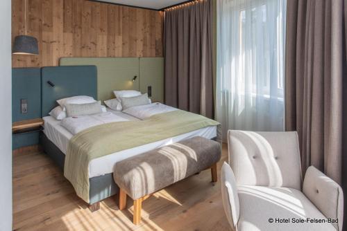 Кровать или кровати в номере Hotel Sole-Felsen-Bad