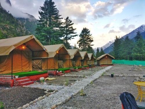 Eskape Camps