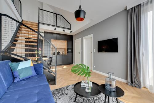 A seating area at Equus Apartments